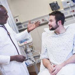 Patient talking w doctor