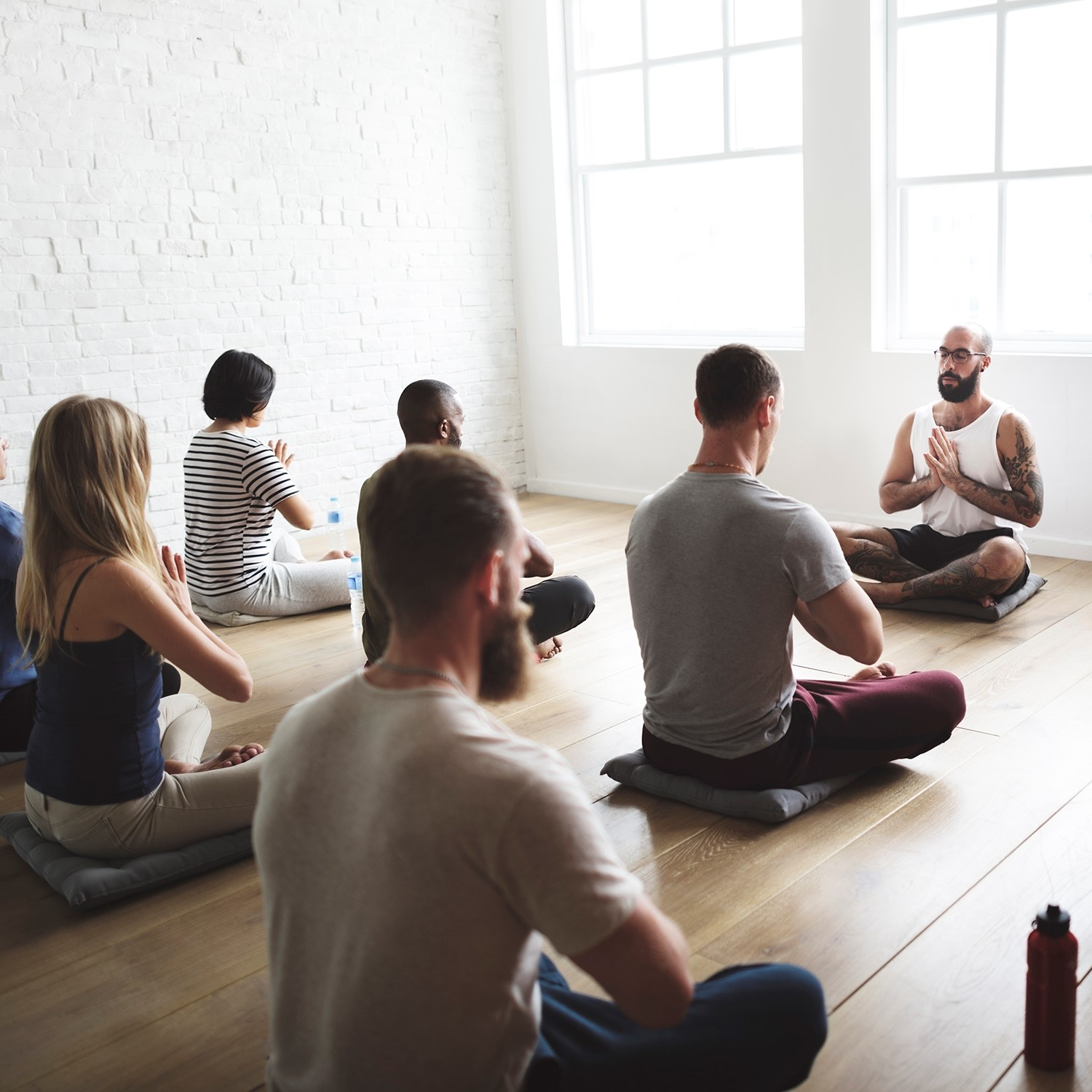 yoga class meditation_ThinkstockPhotos