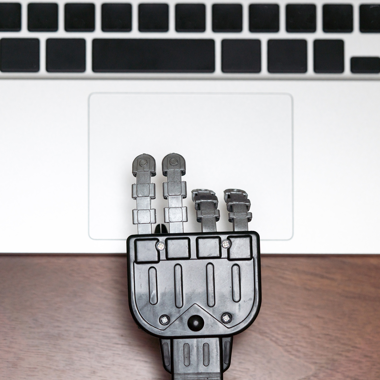 robot hand_gettyimages-682180308_square.jpg